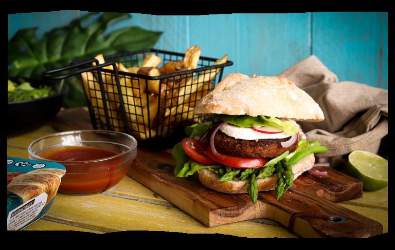 Jackfruit Burger met Crunchy Avocado & Portobello Bun
